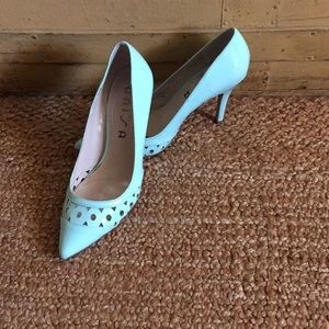 UNISA MINT GREEN POINT VEG LEATH CUTOUT HEELS 8.5